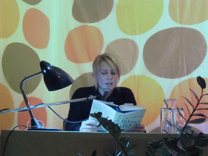 """Katharina Hartwells liest aus ihrem Fantasy-Debut """"Das fremde Meer"""" vor."""