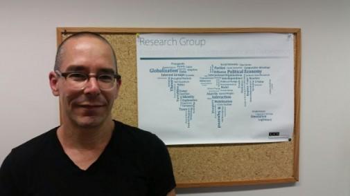 Prof. Dr. Christian Martin lehrt Vergleichende Politikwissenschaft an der CAU Kiel.
