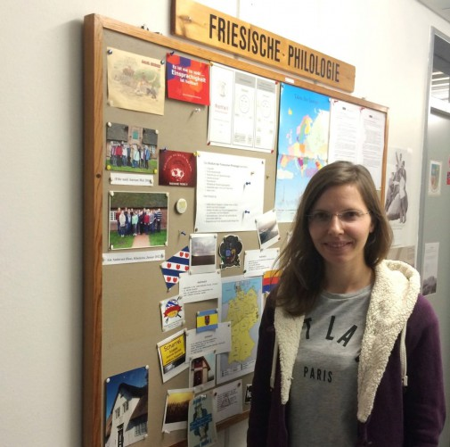 Dr. Wendy Vanselow ist am Institut für Skandinavistik, Frisistik und Allgemeine Sprachwissenschaft (ISFAS) der CAU Kiel tätig. Sie forscht und lehrt als wissenschaftliche Mitarbeiterin in der Abteilung für Frisistik mit Schwerpunkt auf der nordfriesischen Literatur.