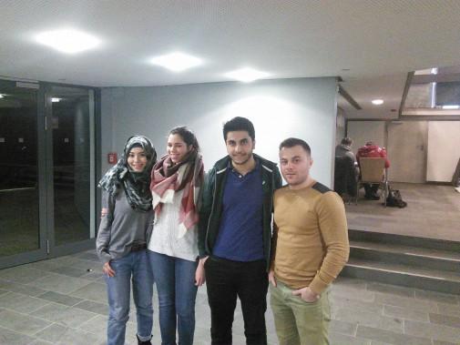 Roya, Nadine, Settar und Allan von der Islamischen Hochschulgemeinde der CAU (Foto: Benjamin Kindler)