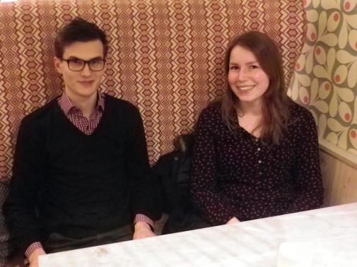 Leopold Oeffner und Lea Martensen erzählen von ihrer Arbeit in der FF Suchsdorf.