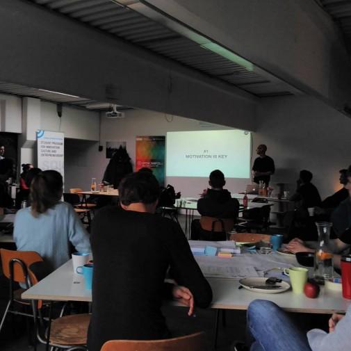 Konzentration bei den Workshops (Foto: Alexander Ohrt)